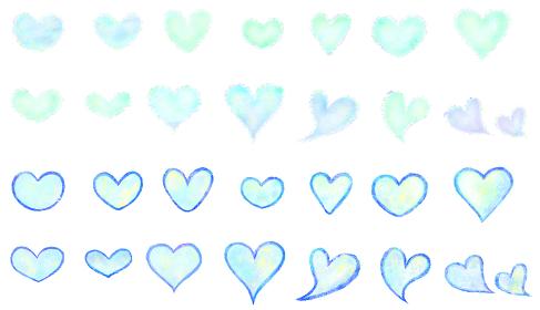 水彩絵具で描いた淡い青色ハートイラストセット