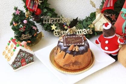 クリスマス雑貨とケーキ