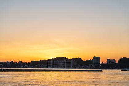 関門海峡の美しい夕暮れ