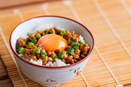 納豆 卵かけご飯 TKG 【 朝 ごはん イメージ 】