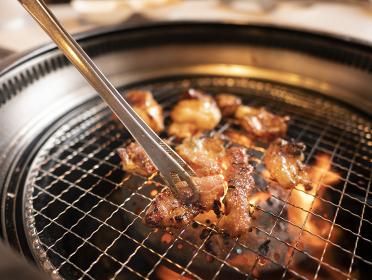 ロースターで焼くジューシーな高級焼肉黒毛和牛ホルモン 【テッチャン】