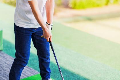 ゴルフ練習 コロナ禍に密にならず楽しめるスポーツ