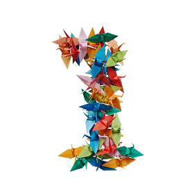 白バックに折り紙の鶴で作った数字の1