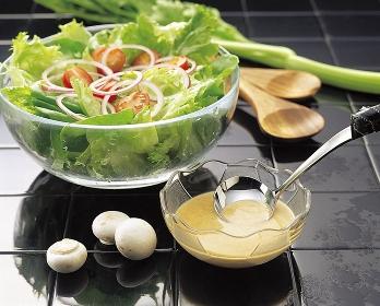 サラダとドレッシング