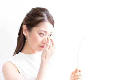 女性・目元のケア・コンタクト(日本人・アジア人)