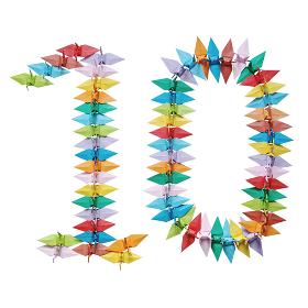 折り紙を並べて作った白バックの数字の10