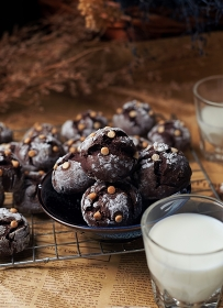 Chocolate cookies serving with milk