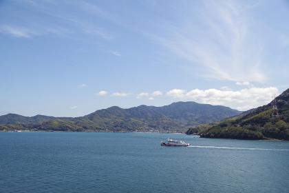 大島大橋から見る瀬戸内海の島々