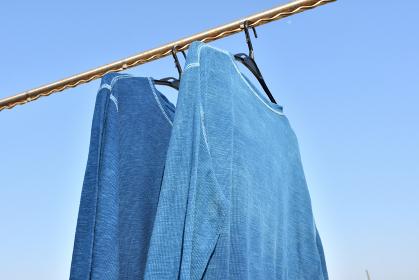 青空らと藍染のTシャツ