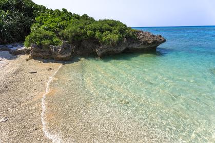 珊瑚の浜・日本最南端、沖縄県波照間島