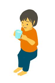 アイソメトリック 座って牛乳を飲むかわいい幼児のベクターイラスト