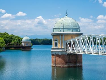初夏の村山貯水池(多摩湖)の風景