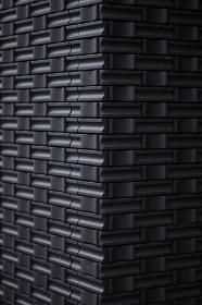 黒色のタイル壁