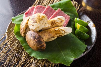 日本産松茸と和牛の焼き物