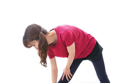 準備運動をする女性