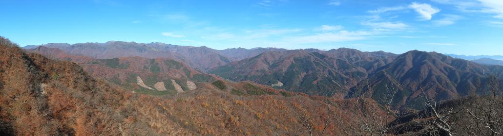 群馬県・石尊山頂上からの展望 (秋/紅葉)(パノラマ)