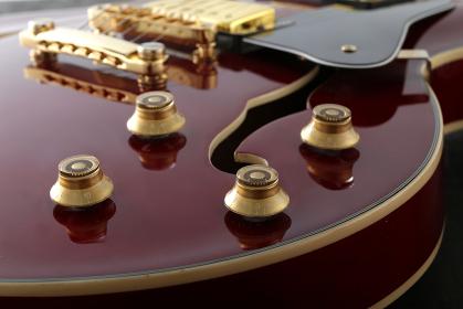 エレキギターの部品のアップ