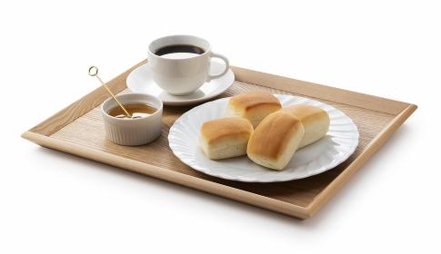 ディナーロールとコーヒーとハチミツ