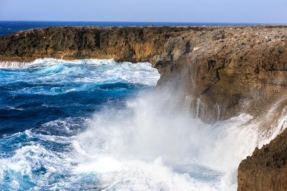 日本の最南端、沖縄県波照間島・最南端の地