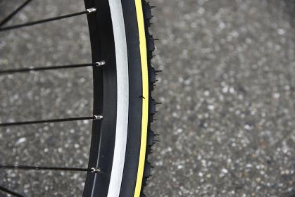 新品の自転車のタイヤ