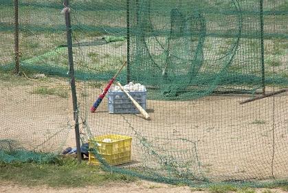 河川敷の野球練習場