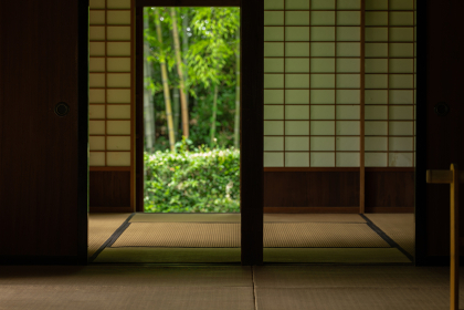 初夏の日本の古民家