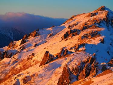 夕日の北アルプス燕岳と立山連峰