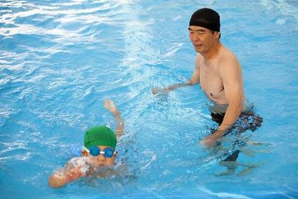 水泳指導と子供