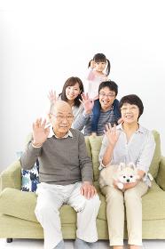 三世代 ファミリー 集合写真イメージ
