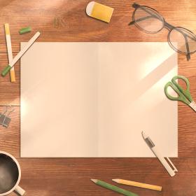 ノートを広げた木製のデスク 午後の光(正方形)