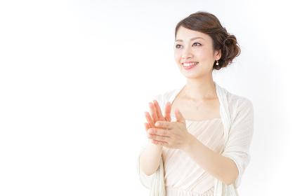拍手する女性 披露宴 パーティー