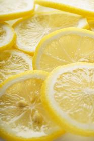 スライスされた新鮮なレモン