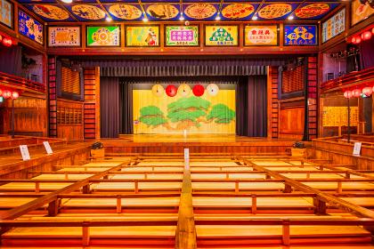 日本の古い木造芝居小屋 八千代座
