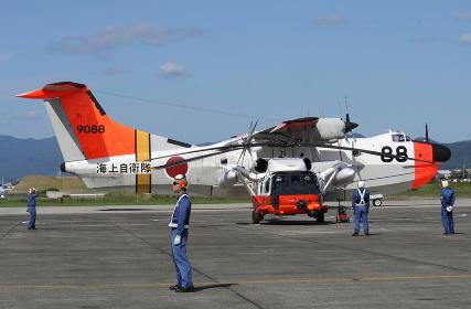 イベントで展示されたUH-60JとUS-1