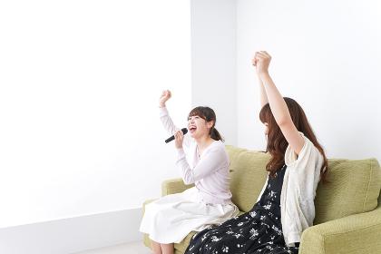 カラオケ・女子