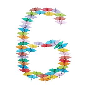 折り紙を並べて作った白バックの数字の6