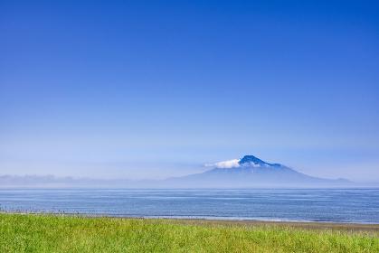北海道 利尻富士 オロロンラインから利尻富士を望む