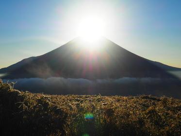 富士五湖の竜ヶ岳からのダイアモンド富士