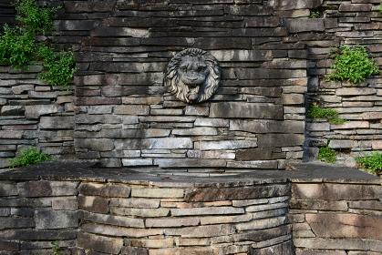 公園の壁にあった、ライオンのオブジェ