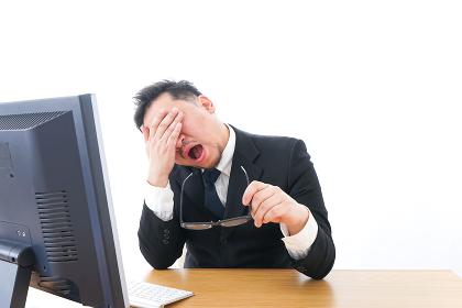 長時間労働に疲れるビジネスマン・働き方改革