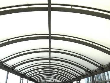歩行専用通路の採光天井