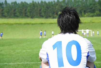 背番号10番のサッカー選手