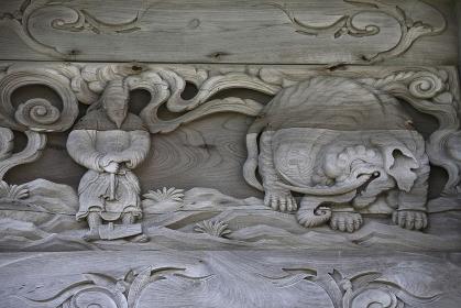 奥の細道 象潟蚶満寺の山門彫刻