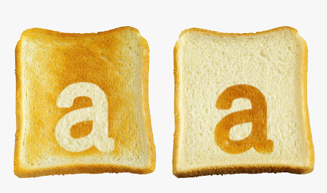 食パンに焼印風のアルファベットの小文字のa