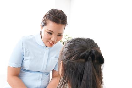 虫歯の治療をする子供