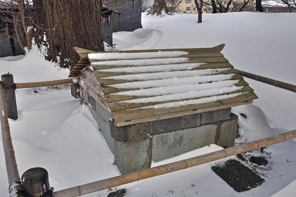 厳冬の松前・松前城 闇の夜の井戸