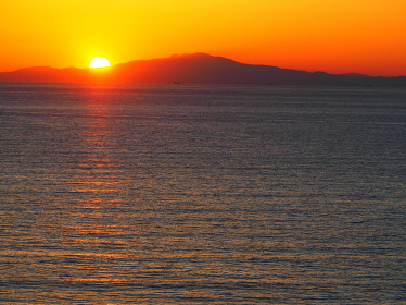 房総半島からの伊豆半島の夕日
