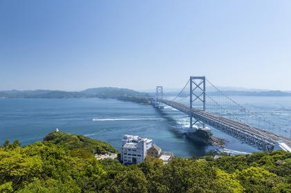大鳴門橋と鳴門のうずしお。徳島県の観光名所。