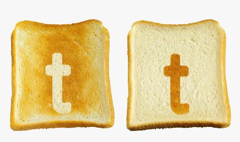 食パンに焼印風のアルファベットの小文字のt
