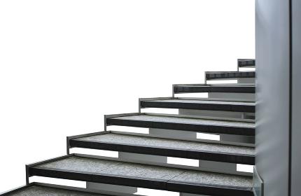 白バックの屋外螺旋階段